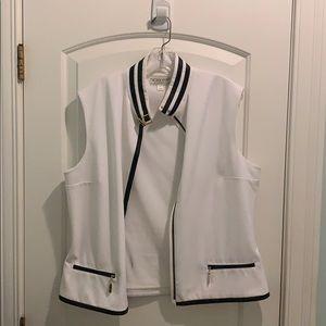 St. John's Sport vest